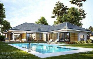 Vedere spate casa cu 254 mp si piscina