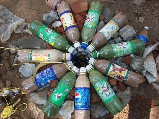 Piloni sustinere din sticle de plastic