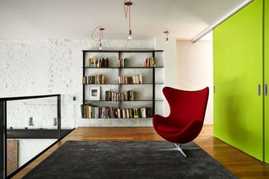 Coltisor de lectura amenajat pe holul de la etaj