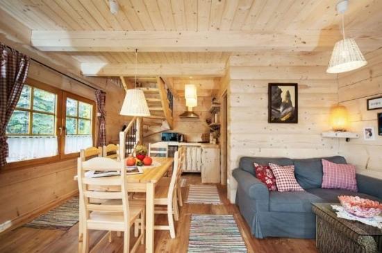 Camera de zi open space cu bucatarie si living