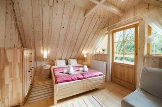 Dormitor in stil rustic complet din lemn