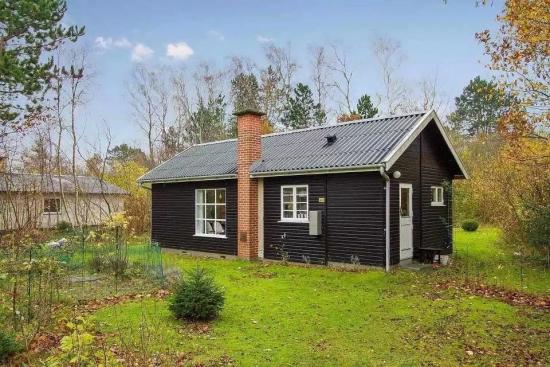 Casa mica din lemn