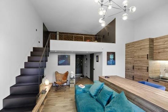 Open space cu dormitor deschis