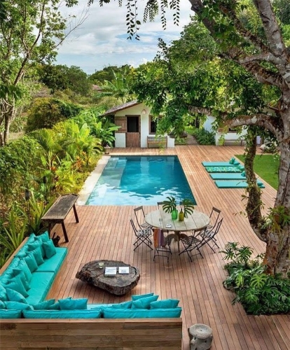 Terasa eleganta cu piscina