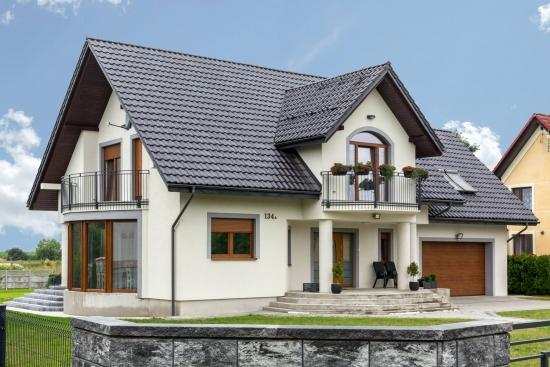 Casa cu garaj si mansarda - construstie reala dupa proiect