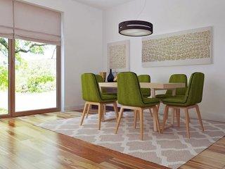 Dining cu masa din lemn si scaune cu tapiterie verde