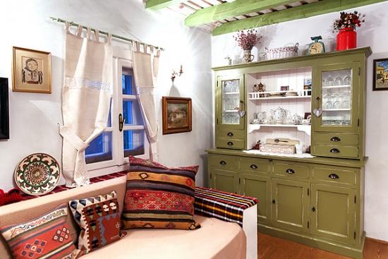 Interior casa traditionala romaneasca