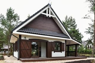 Casa de vacanta din lemn cu obloane