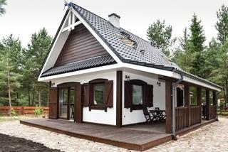 Casa superba de vacanta din lemn cu obloane