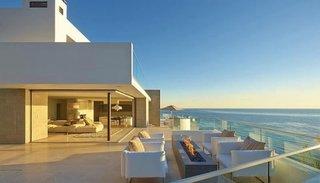 Casa moderna la mare