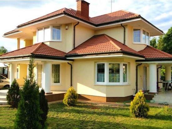 Casa cu etaj - model frumos