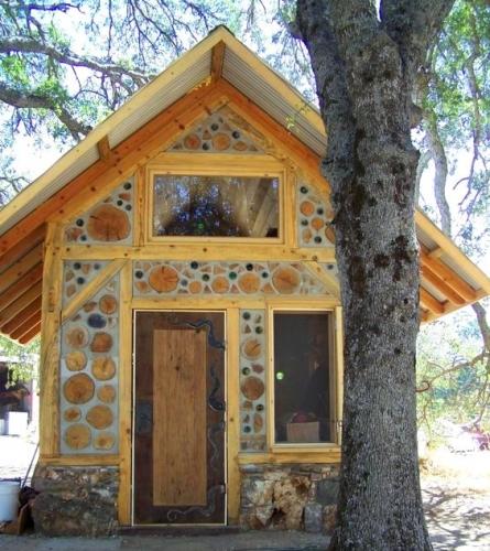 Cabana construita din busteni