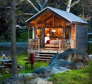 Cabana din lemn cu o camera