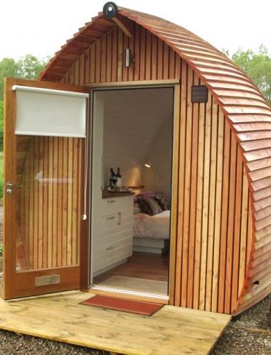 Casa de vacanta din lemn cu o camera
