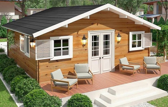 Casa mica din lemn cu ferestre albe