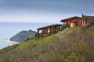Casa din lemn construita handmade