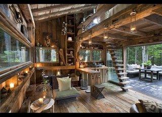 Casa din lemn cu etaj