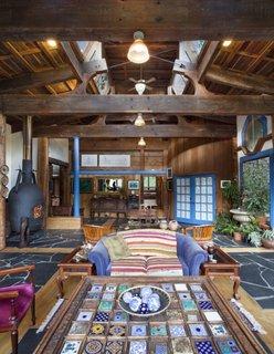 Living casa veche de 100 de ani