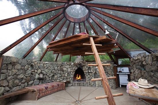 Terasa cu tavan din lemn si sticla