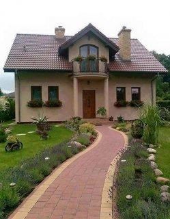Casa cu mansarda in doua ape