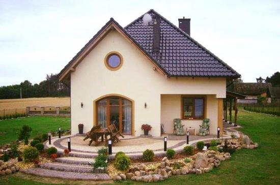 Casa cu mansarda pentru teren ingust