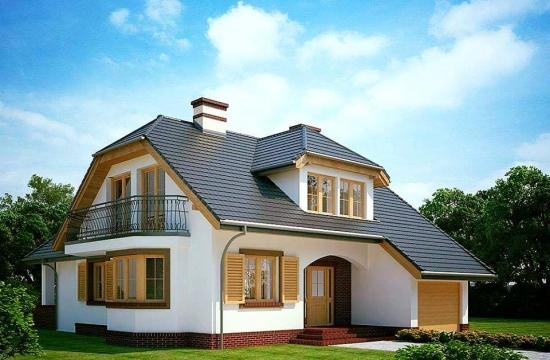 Casa cu model interesant de acoperis