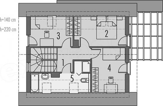 3 dormitoare la mansarda si o baie