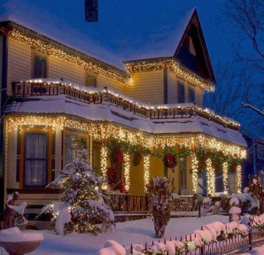 Plase cu lumini led pentru decor exterior casa