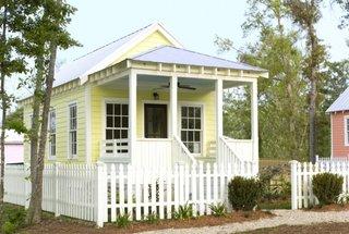 Casa doar parter construita pe structura de lemn