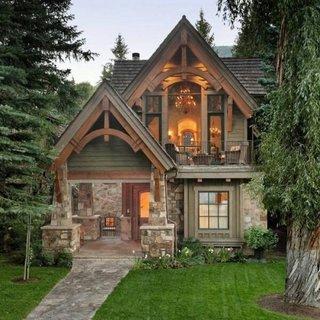 Casa din lemn si piatra