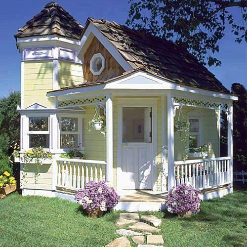 Casa mica din lemn pentru vacanta