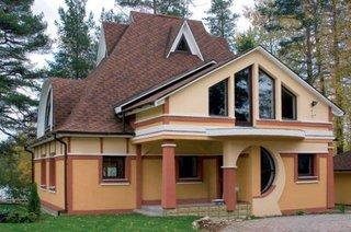 Casa veche batraneasca mansardata