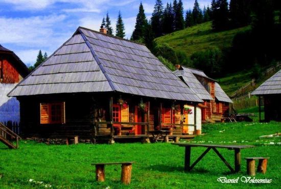 Casa romaneasca cu sindrila