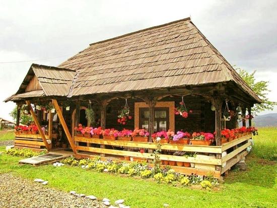 Casa stil romanesc