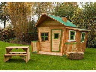 Cabanuta din lemn pentru copii