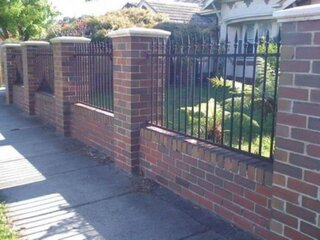 Gard zidit din caramida