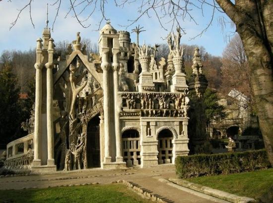 Palatul Ideal din Franta