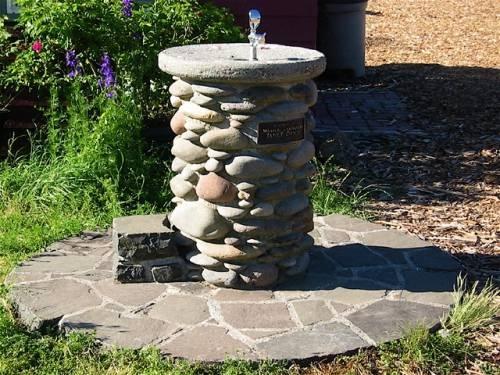 Cismea de curte din piatra
