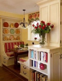 Bancheta de bucatarie cu sertare incorporate si masa din lemn