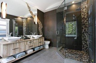 Design artistic cu pietre de rau pentru baie