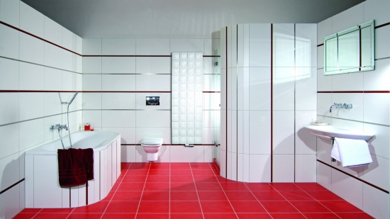 Gresie rosie si faianta alba in baie
