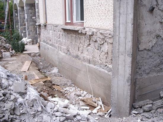 Consolidare fundatie si colturi casa veche
