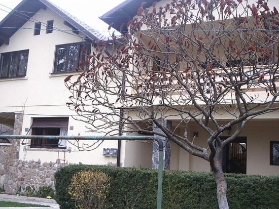 Vedere casa veche consolidata si renovata