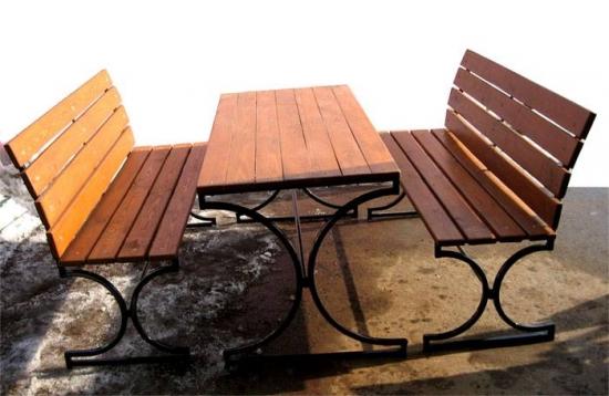 Banci cu masa pentru gradina