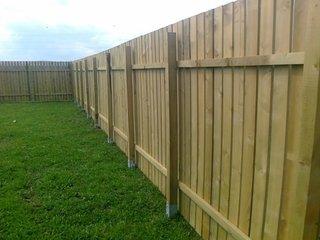 Gard lemn din sipci