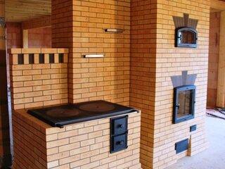Model de soba cu cuptor construita din caramida