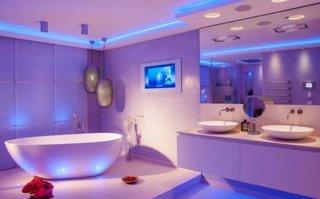 Iluminat modern cu LED pentru baie