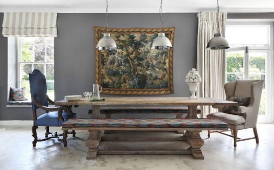 Dining amenajat in combinatie de stil rustic, clasic si industrial