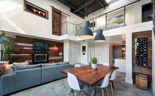Interior de loft amenajat modern
