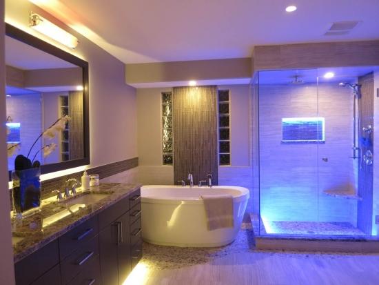 Corpuri iluminat cu led pentru baie si cabina de dus